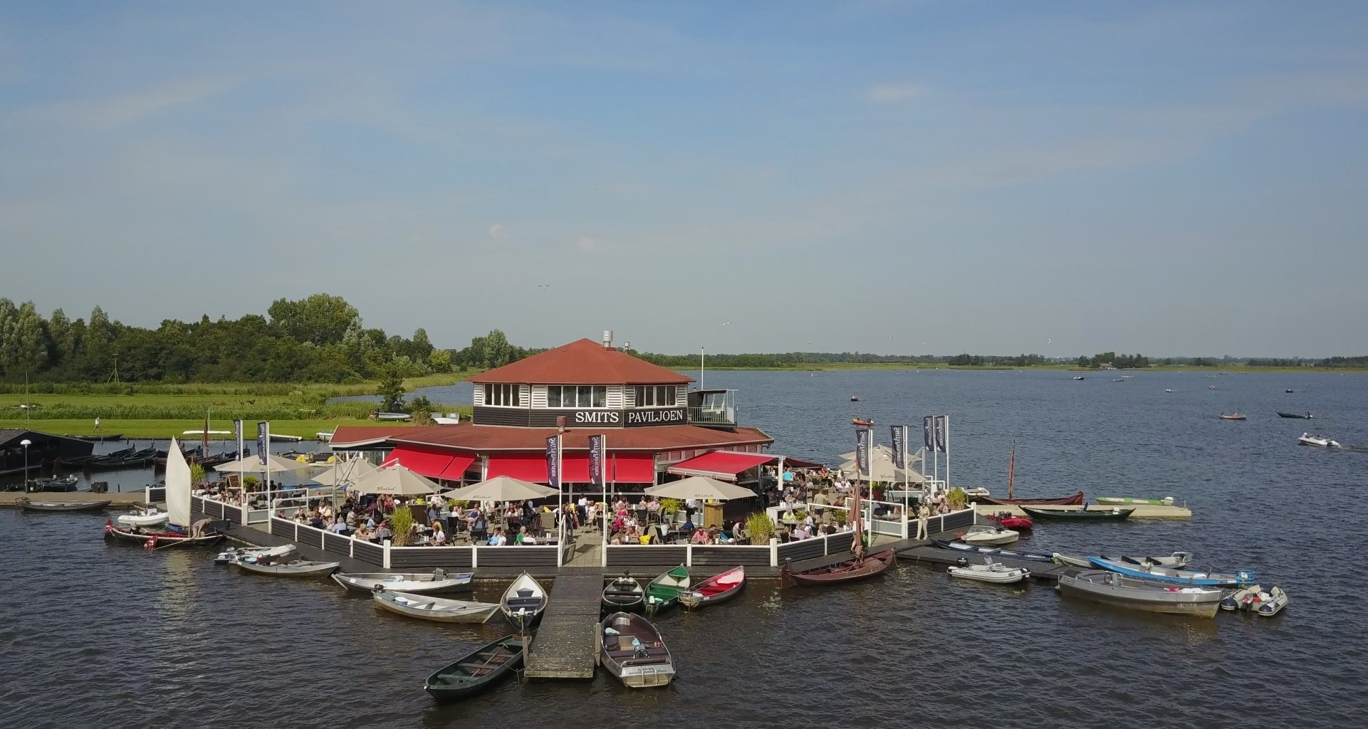 The only panoramic terrace in Giethoorn